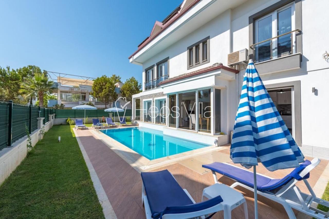 Anka Özel Havuzlu 4 Yatak Odalı Denize Yakın Konumda Villa - Hepsi Villa