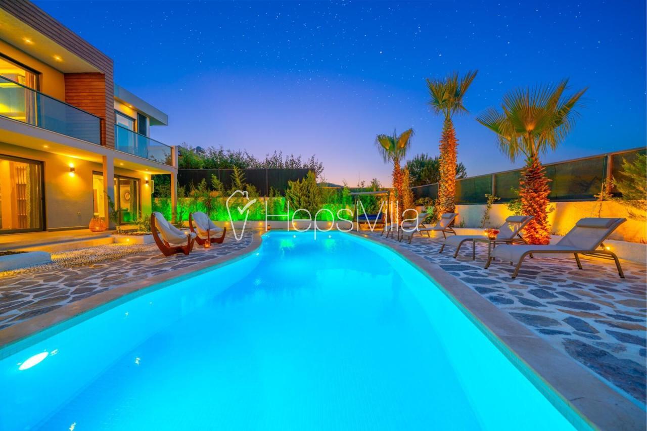Villa Kainat Hisarönü Merkezde 3 Odalı Havuzu Korunaklı Villa - Hepsi Villa