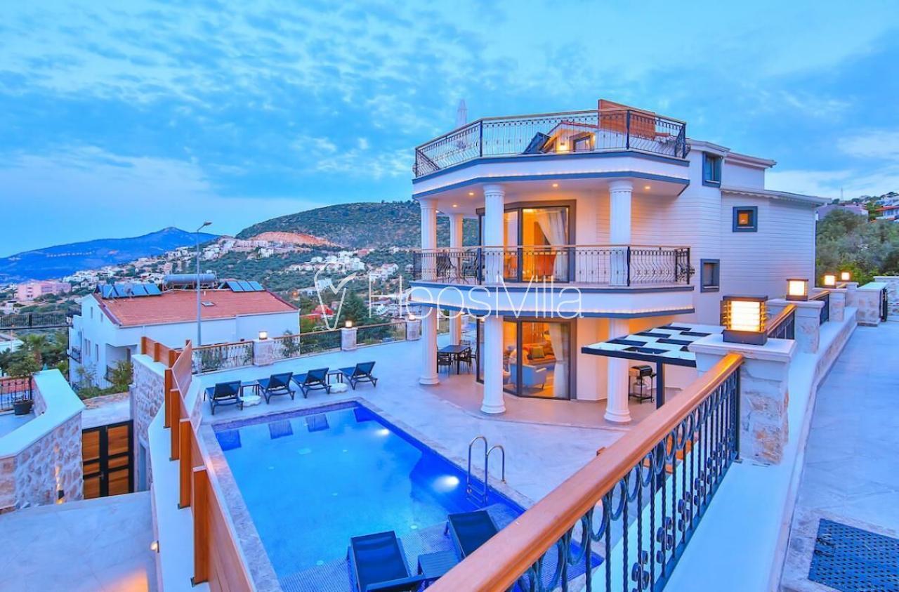 Villa Samira 2, Kalkan Merkez'de 4 Odalı Deniz Manzaralı Villa. - Hepsi Villa