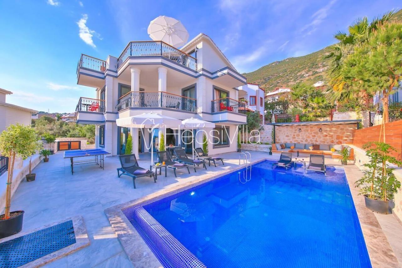 Villa Samira 4, 2018 Yılında Yenilenmiş Müstakil Villa - Hepsi Villa