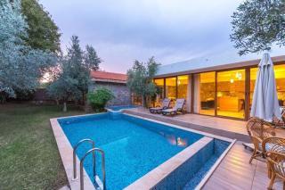 Villa Portakal, Kayaköy'de kiralık muhafazakar balayı villası.