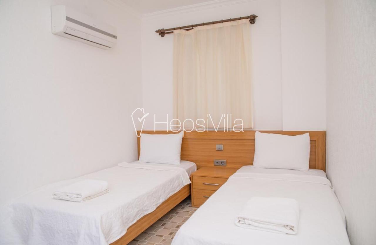 Kalkanda Kalamarda Deniz manzaralı 4 yatak odalı havuzlu villa - Hepsi Villa