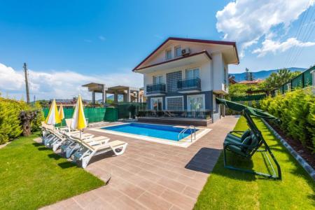 Villa Lemurya