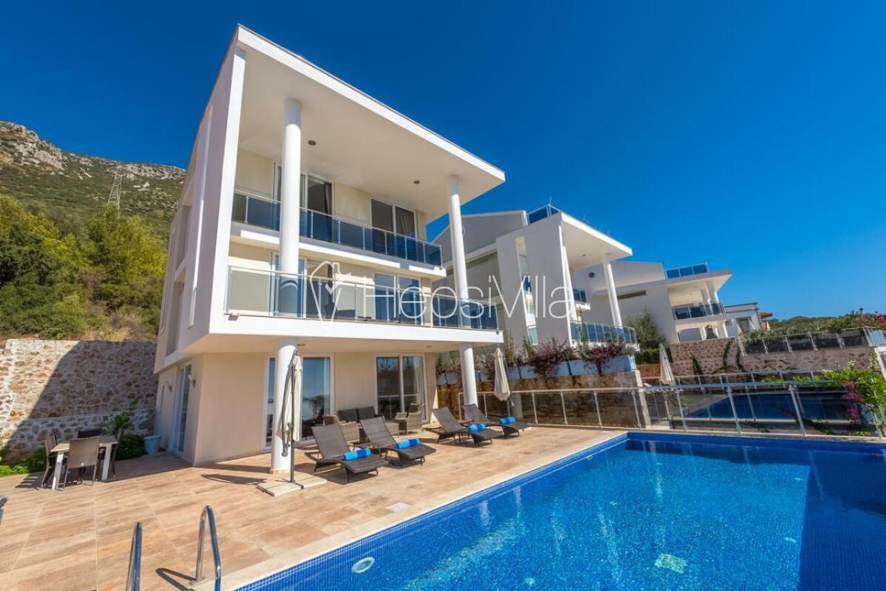 Villa Blue Harmony, Kızıltaş'ta bulunan Lüks Kalabalık Villa - Hepsi Villa