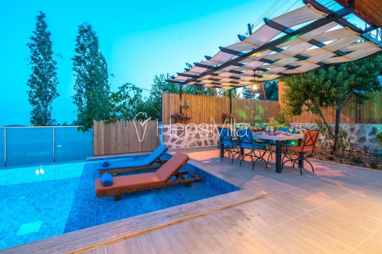Villa Otantik, Havuzu Korunaklı Otantik Görünümlü Taş Villa - Hepsi Villa