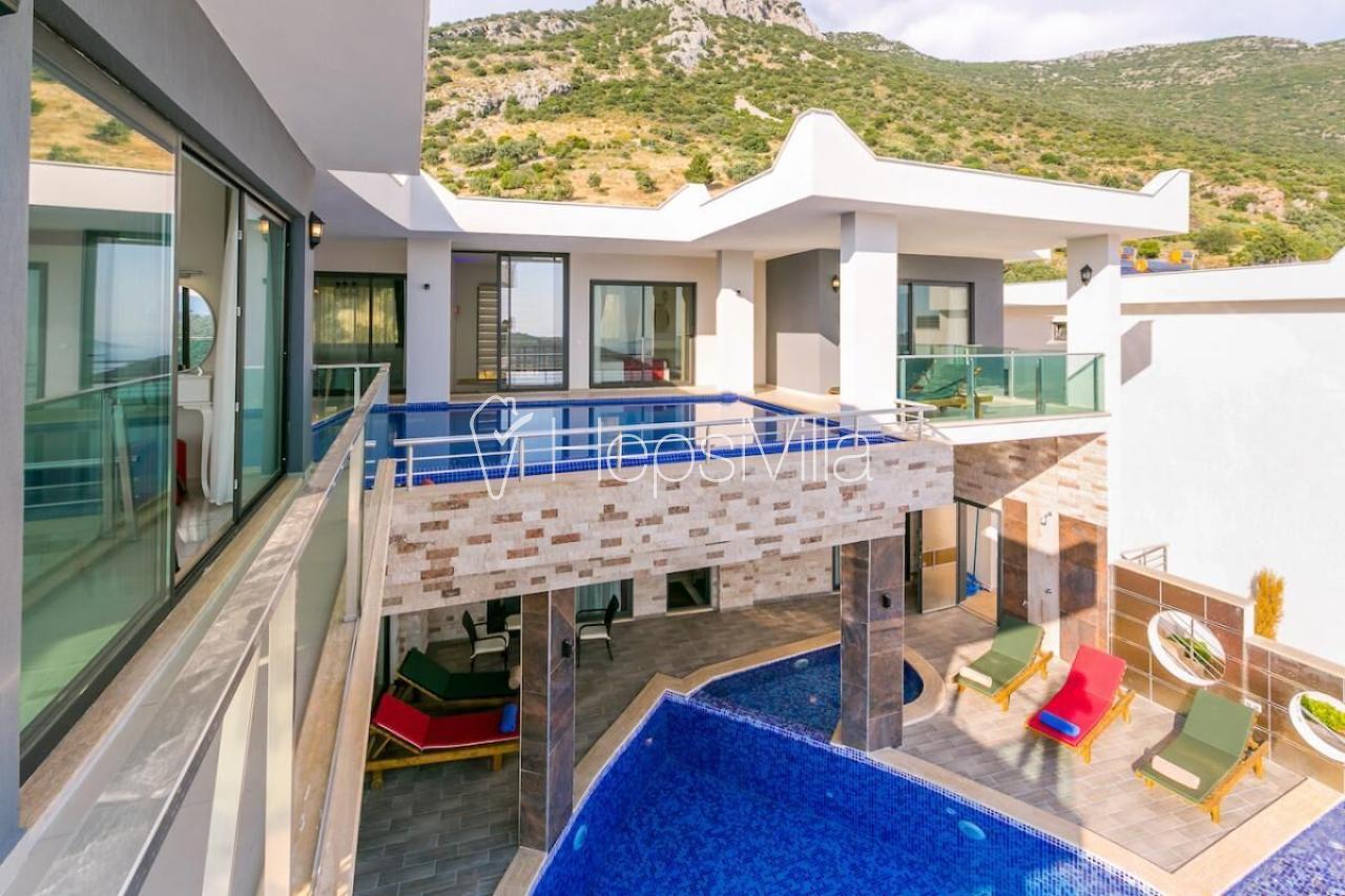 Villa Heart, Kalkan Akbel'de Konumlanmış, Lüks Korunaklı Villa - Hepsi Villa