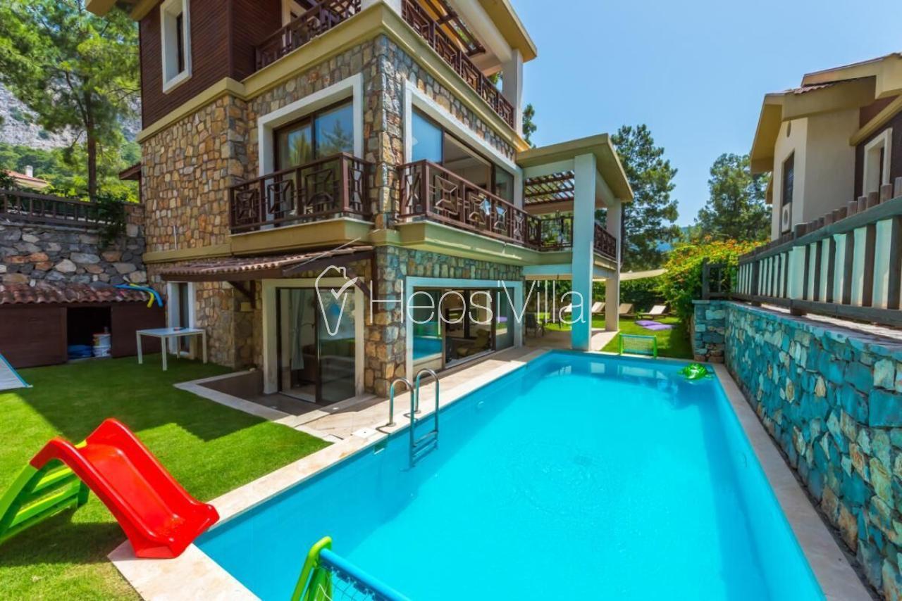 Villa Neva 4, Çocuk parklı özel havuzlu tatil villası. - Hepsi Villa