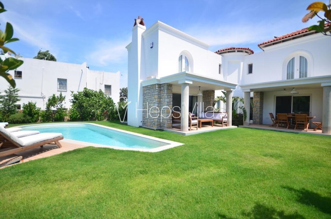 Villa Abelya Bodrum Bitez'de Konumlanmış Lüks Denize Yakın Villa - Hepsi Villa