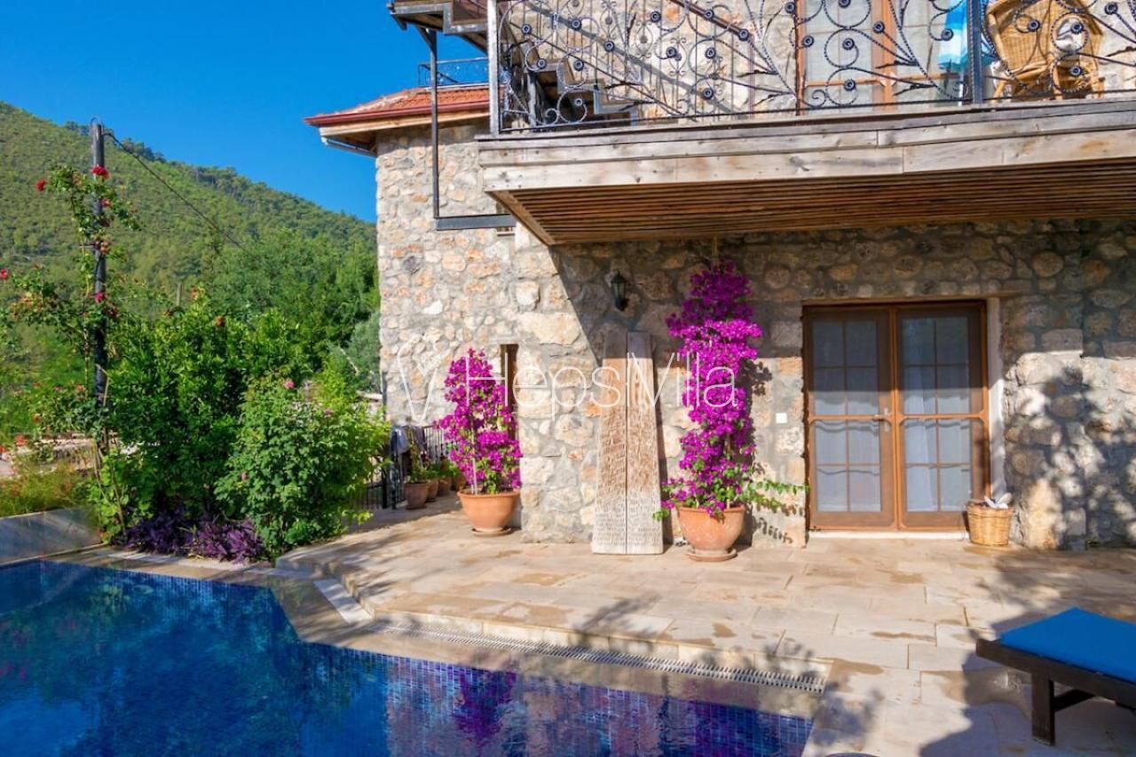 Limon Evi, Kayaköy'de Konumlanmış 6 Kişilik Korunaklı Villa - Hepsi Villa
