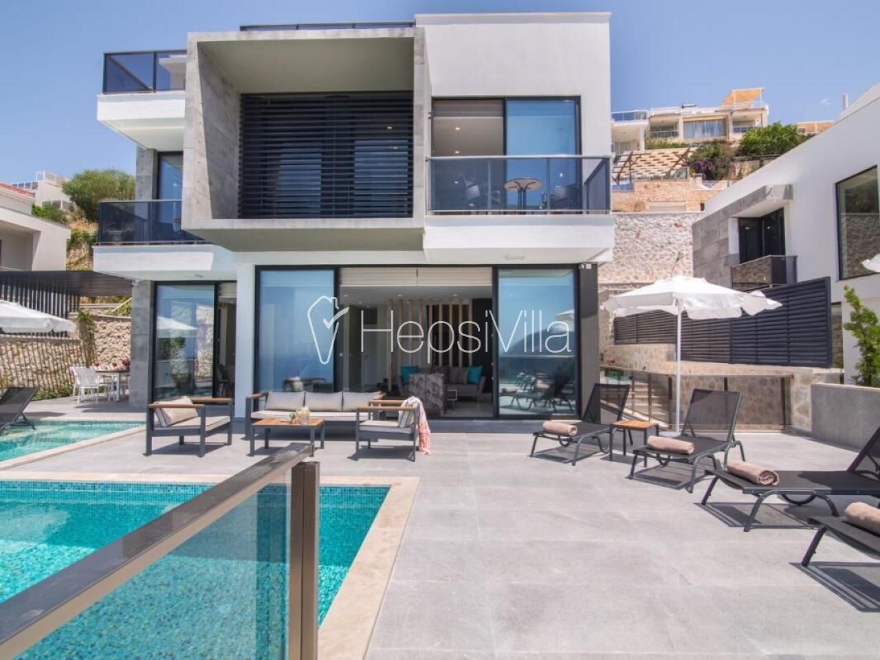 Villa İnstyle,Kalamar'da Konumlanmış Lüks Deniz Manzaralı Villa - Hepsi Villa