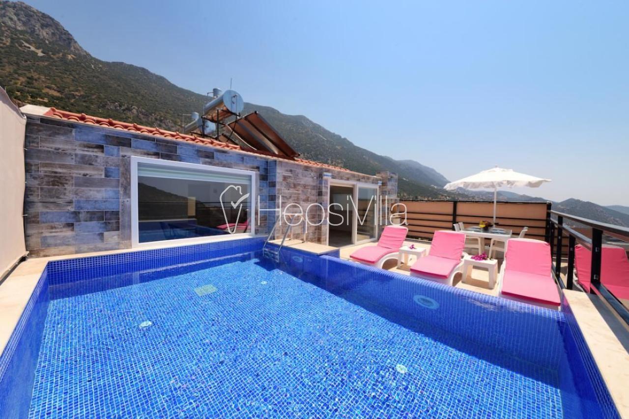 Villa Çatı, Kalkan Merkez'de Havuzu Korunaklı 2 Odalı Villa - Hepsi Villa
