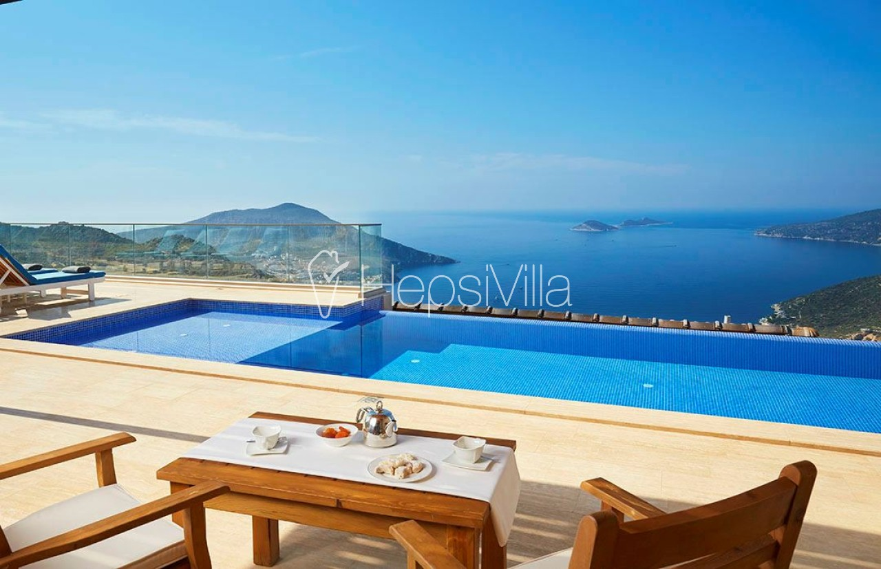 Villa Joy, Kördere Konumlanmış Deniz Manzaralı Korunaklı Villa - Hepsi Villa