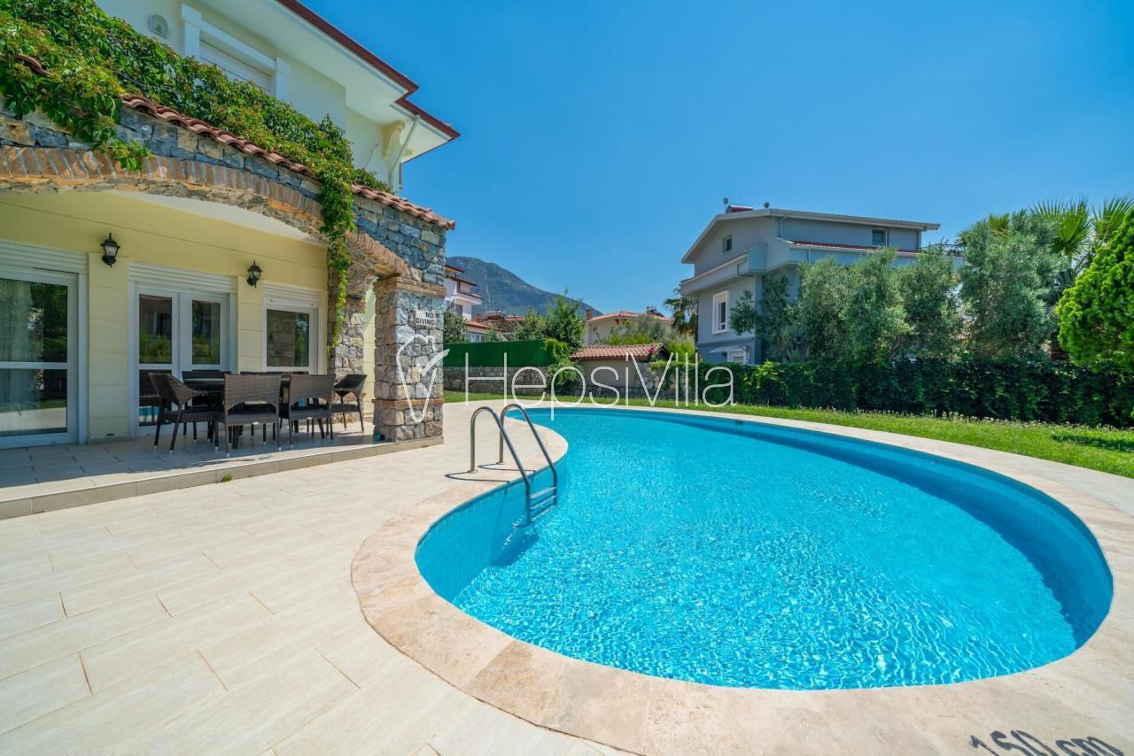 Villa Doğan, Ölüdeniz Ovacık'ta 2 yatak odalı saunalı villa - Hepsi Villa