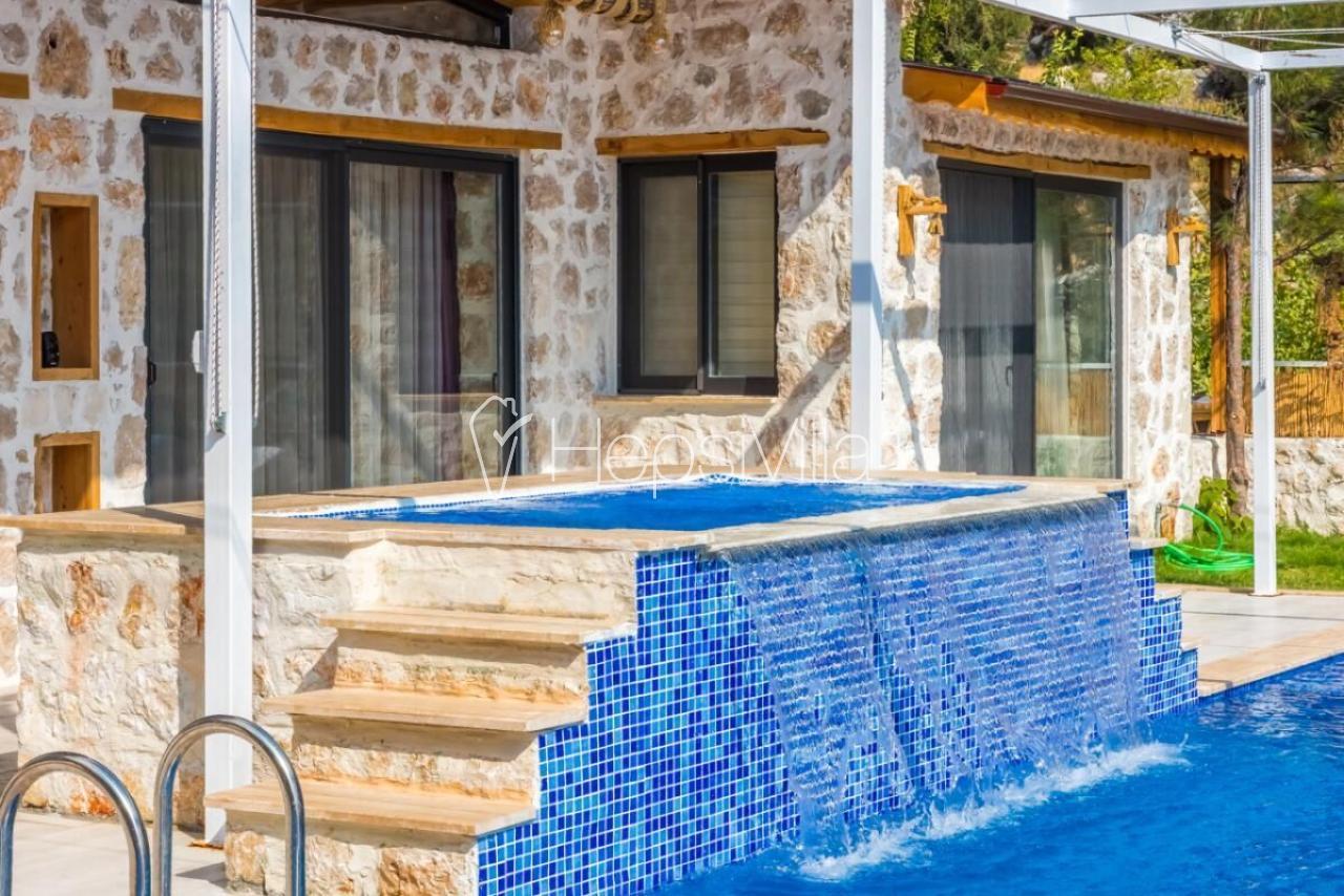 Villa Ahsen, Özel Havuzlu Jakuzili Korunaklı Tatil villası - Hepsi Villa