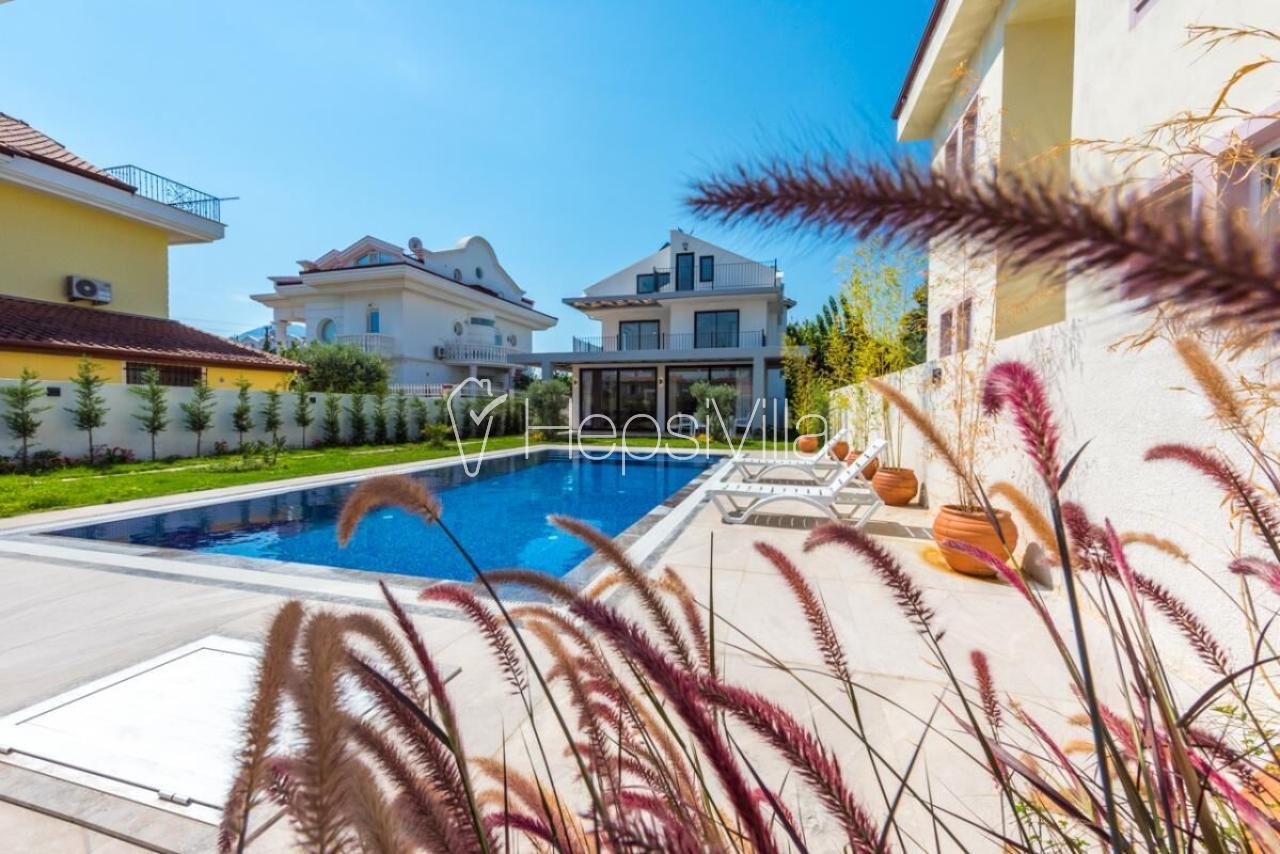 Villa Kıvanç Fethiye'de 4 yatak odalı müstakil villa - Hepsi Villa
