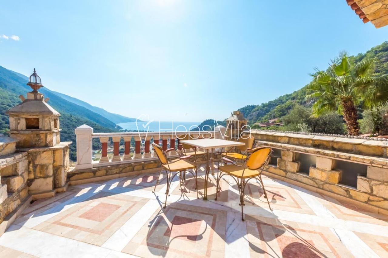 Ölüdeniz'de deniz manzaralı Apart - Hepsi Villa