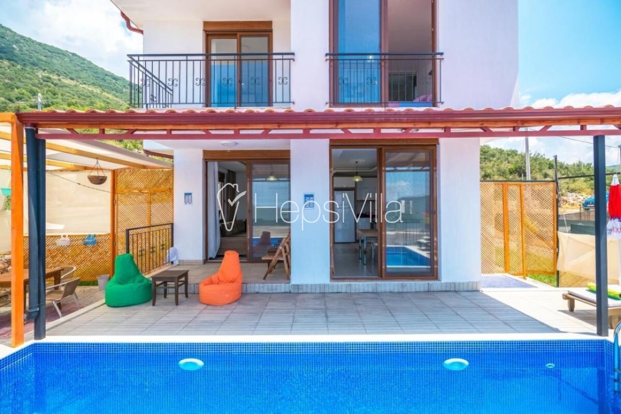 Villa İpek,Kaş/Çukurbağ Köyünde 4 Kişilik Korunaklı Villa - Hepsi Villa