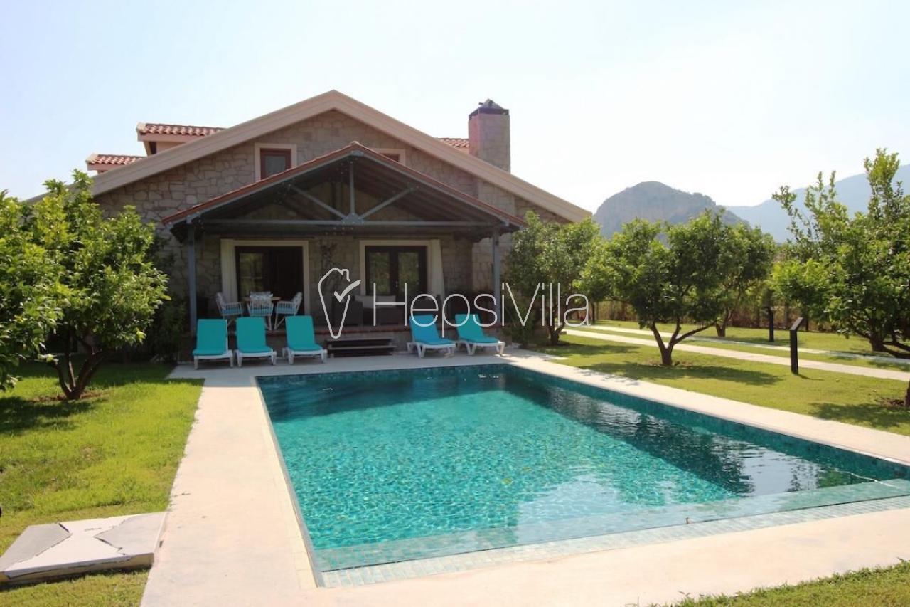 Villa Taş Ev 2, Dalyan'da Bulunan 8 Kişilik Özel Tasarımlı Villa - Hepsi Villa