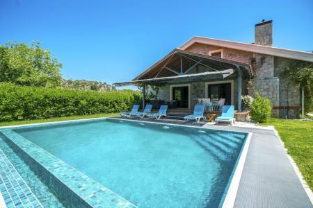 Villa Atthis