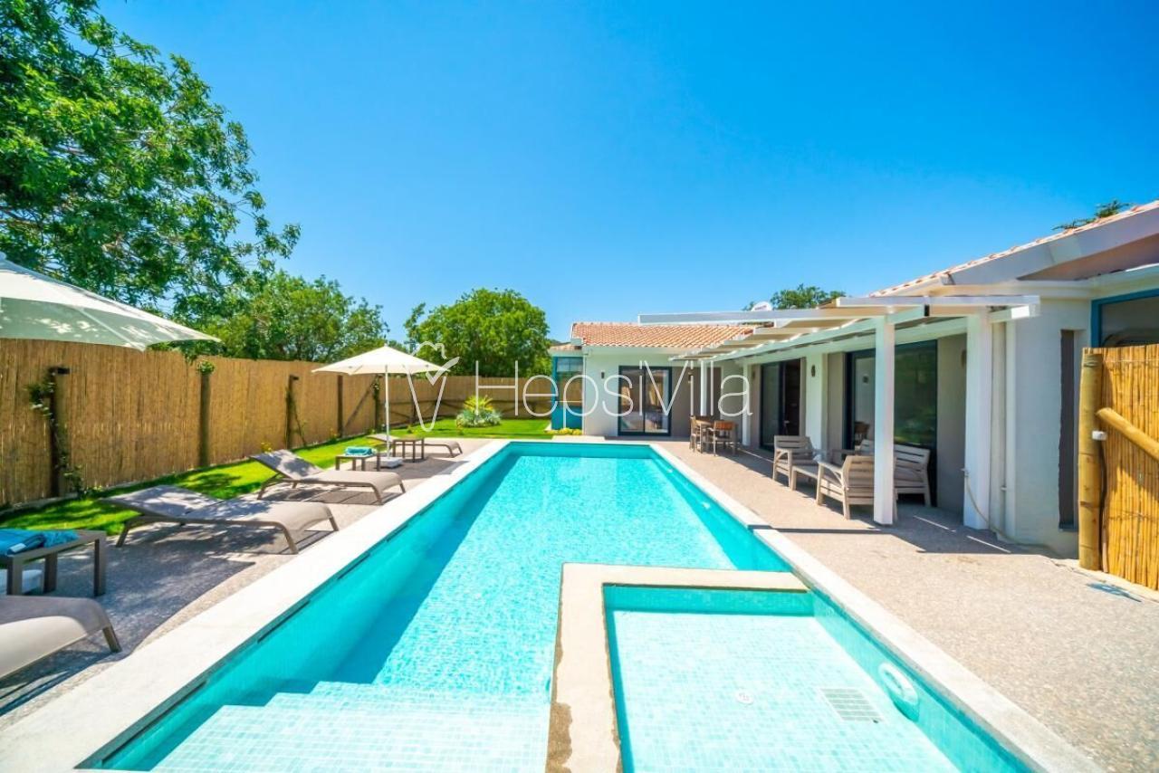 Villa Sirena, Çocuk Parklı Korunaklı Havuzlu Tatil Villası. - Hepsi Villa