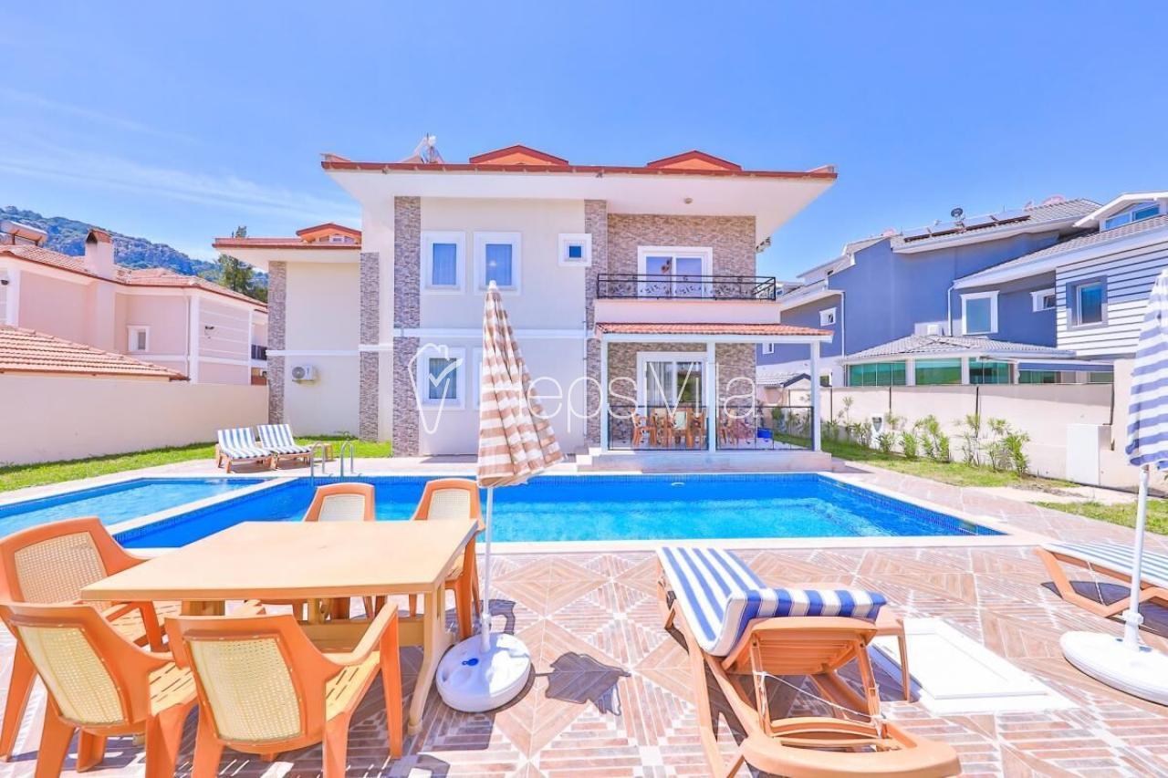 Villa Gülpınar, Dalyan'da Bulunan 12 Kişilik Müstakil Villa - Hepsi Villa