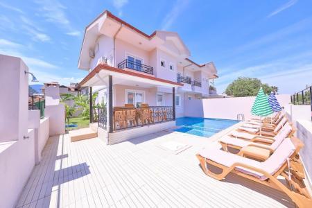 Villa Palm 2