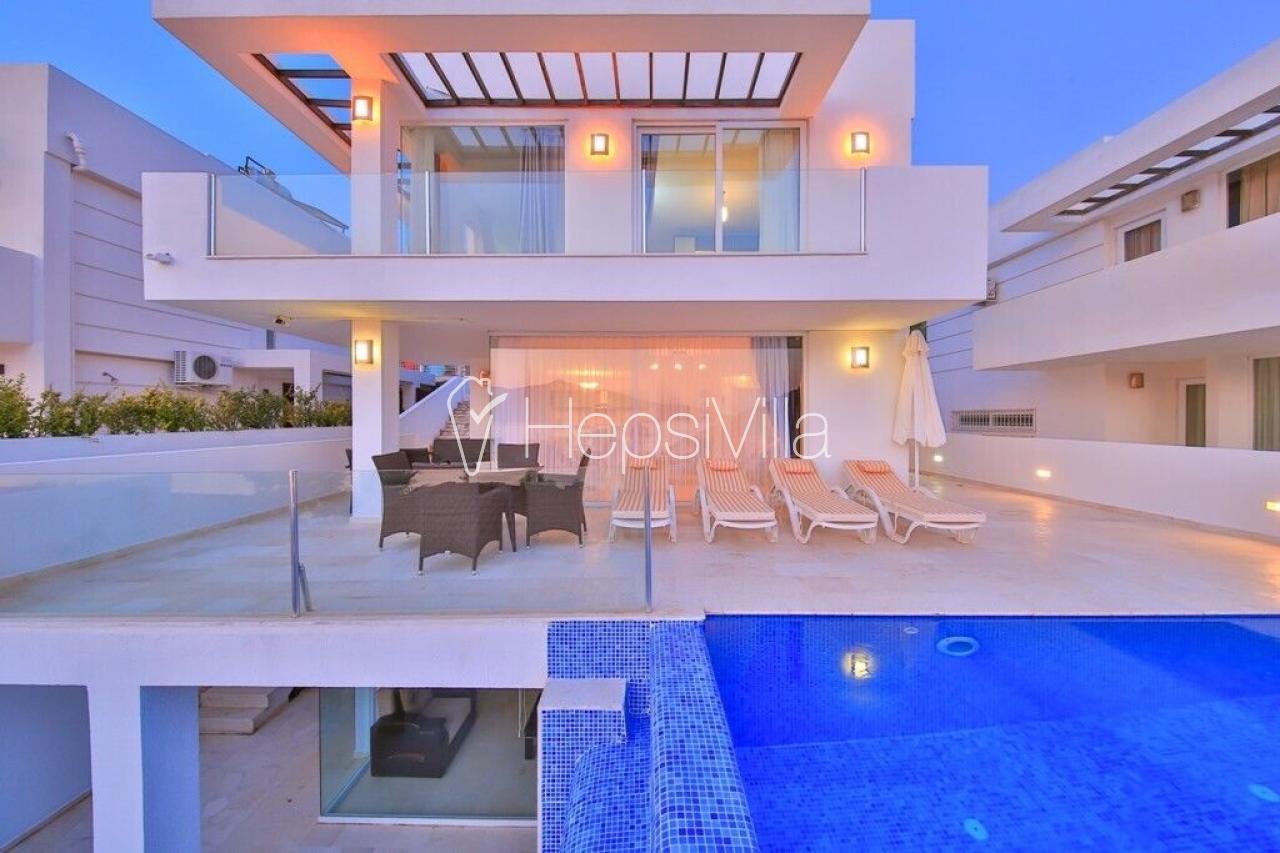 Villa Olega, Kalkan Kışlada 3 Odalı Deniz Manzaralı Kiralık Villa - Hepsi Villa