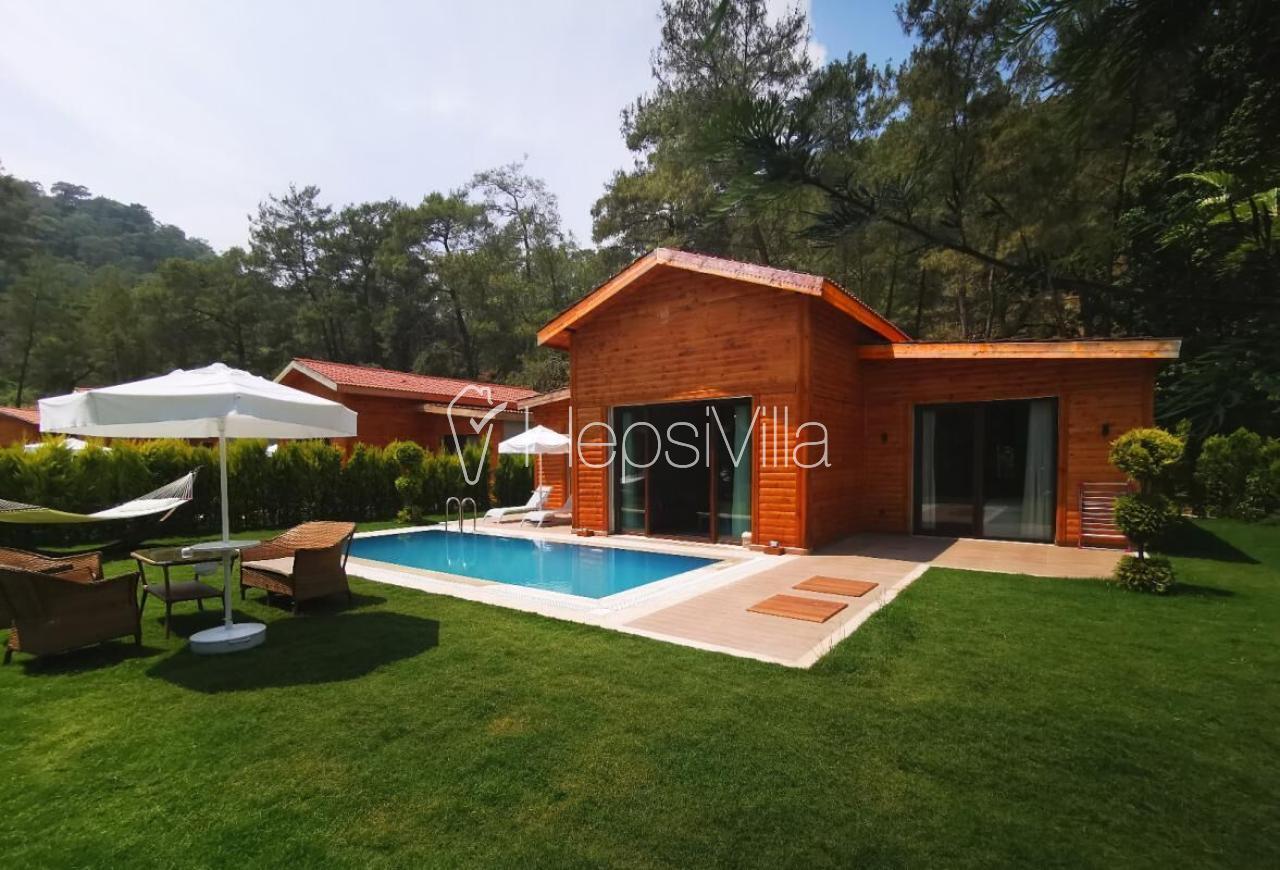 Villa The Bay Beach, Günlüklü Koyunda Yer Alan 4 Kişilik Villa - Hepsi Villa