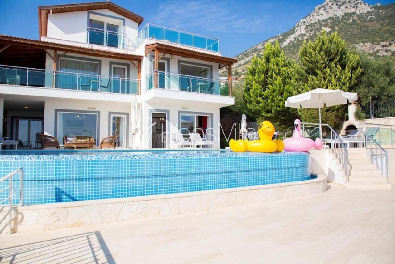 Villa Alkın, Kalkan Akbel'de 5 yatak Odalı Havuzlu Villa - Hepsi Villa