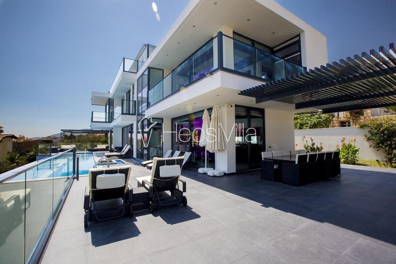 Villa Elite, Kalkan Ortaalan'da Bulunan 10 Kişilik lüks Villa - Hepsi Villa