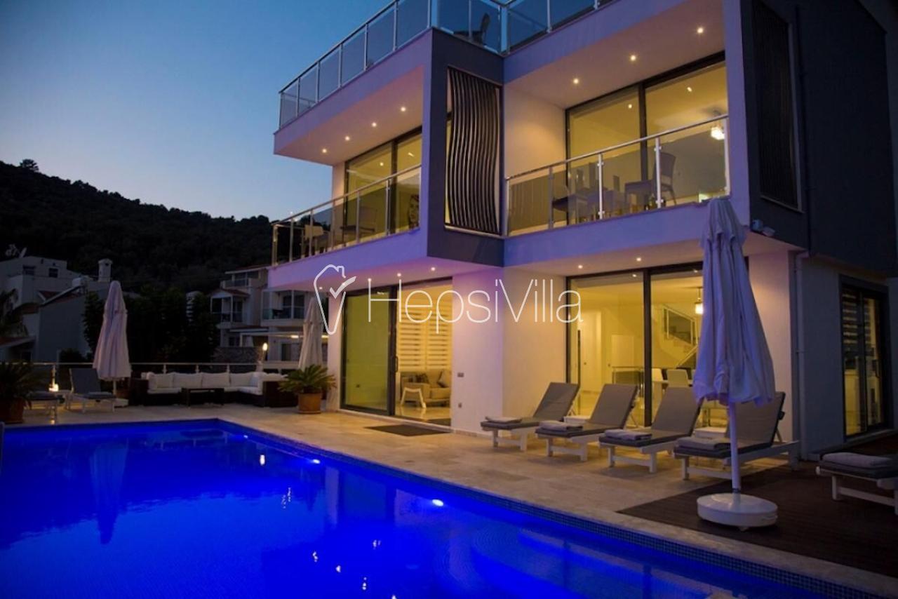 Villa Hope, Kalkan Ortaalan'da 10 kişilik Özel Havuzlu Villa - Hepsi Villa