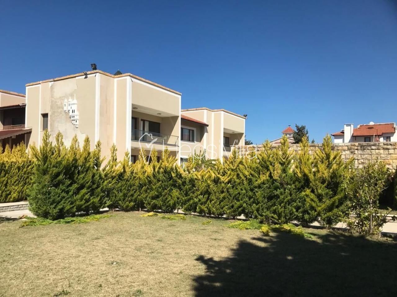Villa Alkan, Çeşme'de 22 Kişi Kapasiteli Çok özel Villa - Hepsi Villa