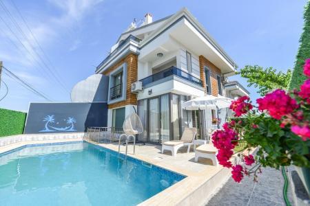 Villa Batı