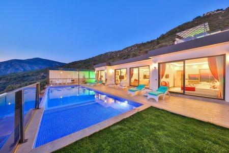 Villa Hira 2