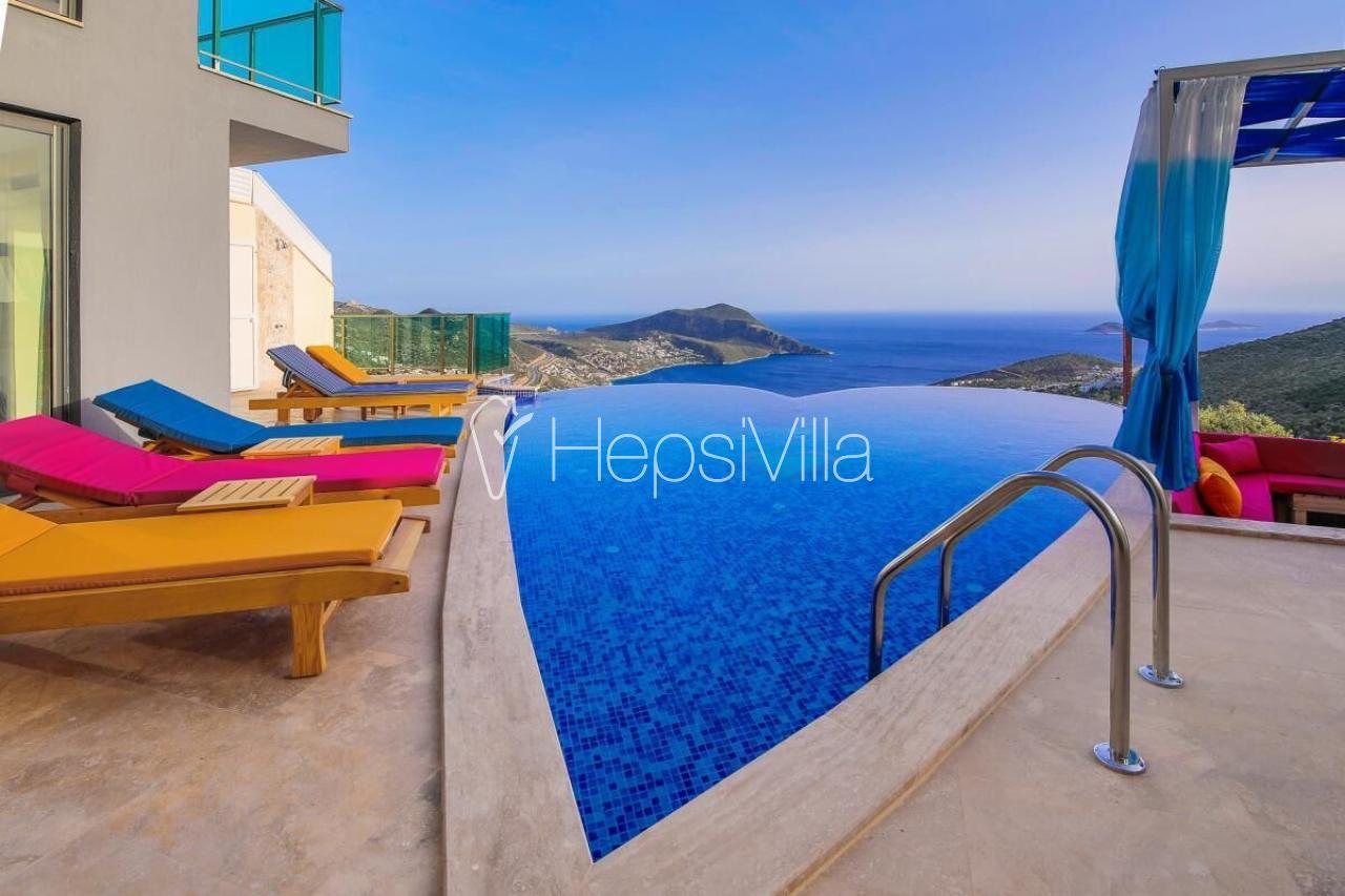 Villa Tarabya, Kalkan Akbel'de Deniz Manzaralı Korunaklı Villa - Hepsi Villa
