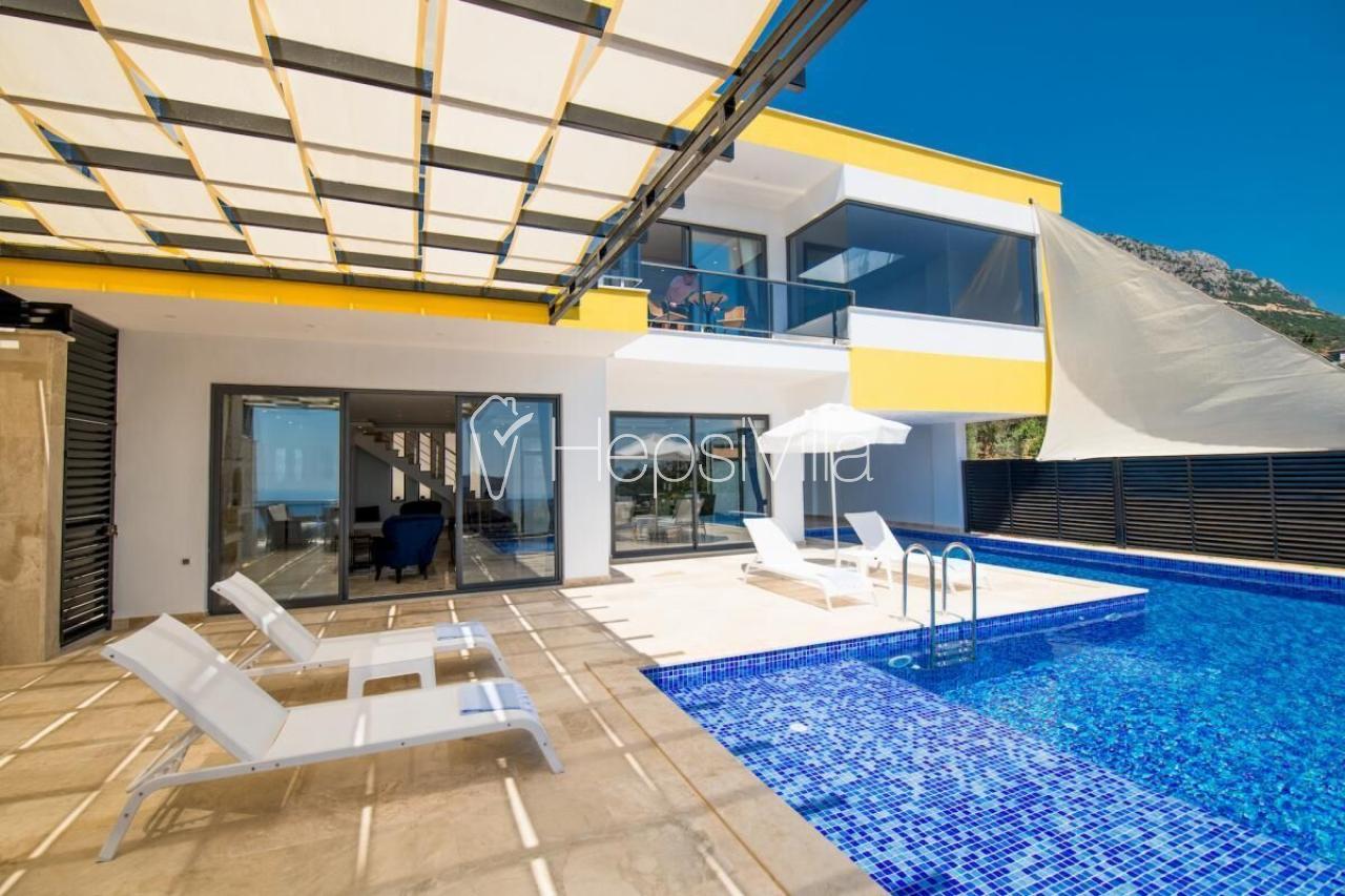 Villa Blue Sirena, Kalkan Kördere'de Korunaklı Havuzlu Villa - Hepsi Villa