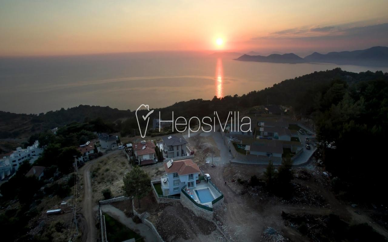 Villa Ocean Wide Faralya'da 3 Odalı Jakuzili Korunaklı Villa. - Hepsi Villa