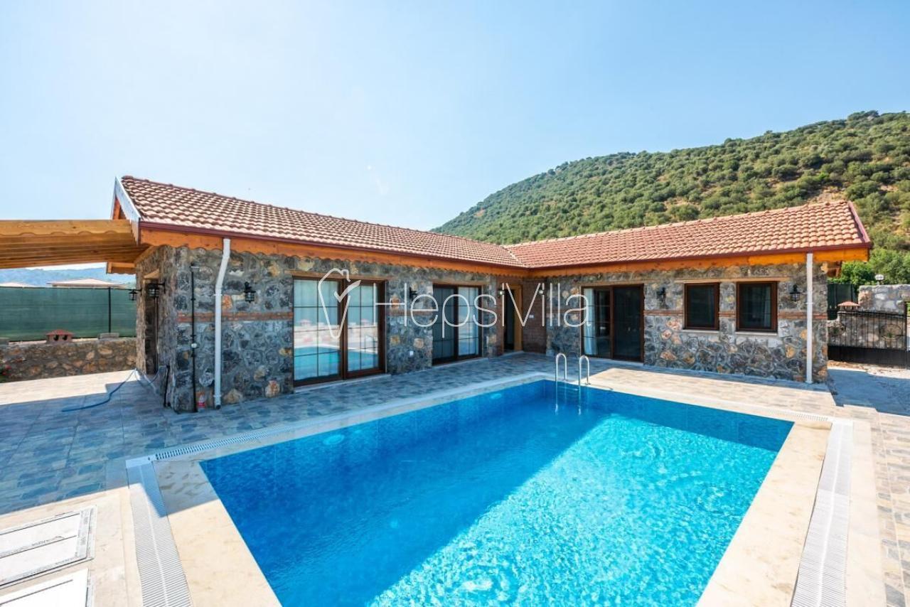 Villa Madam, Kayaköy'de Taş Yapıya Sahip Korunaklı Villa - Hepsi Villa
