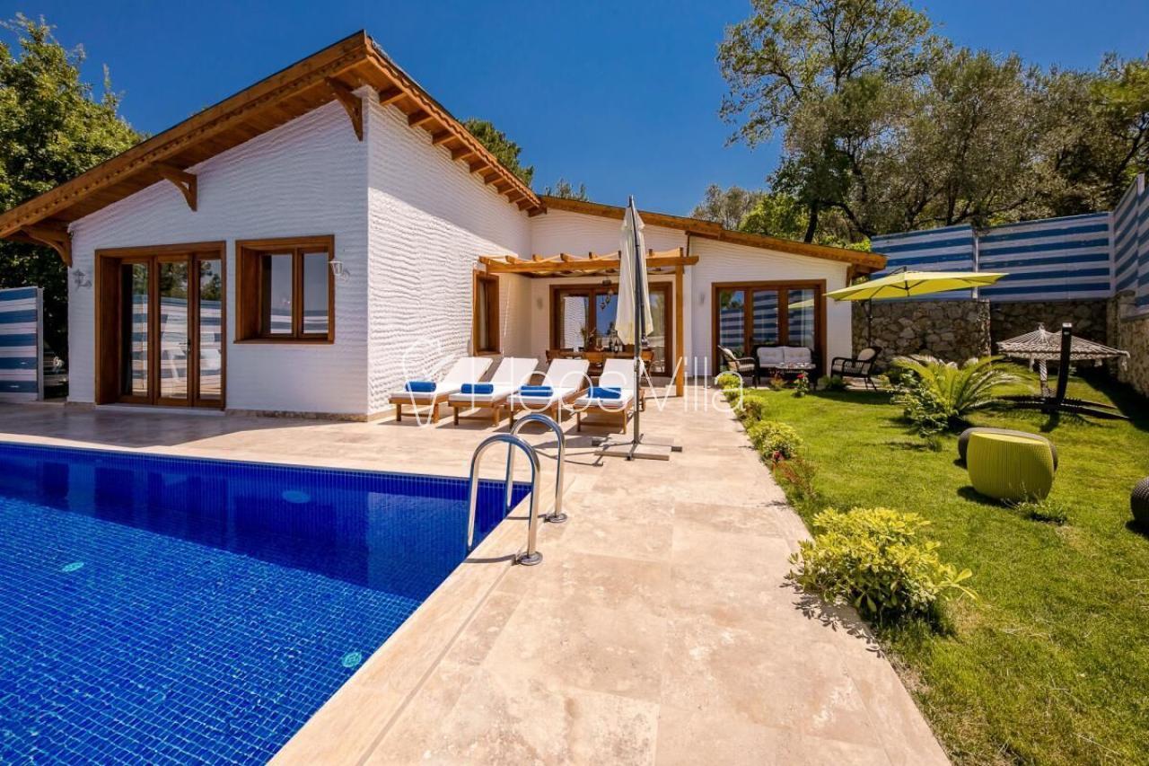 Villa Sunset Jakuzi ve Masa Tenisli Korunaklı Havuzlu Villa - Hepsi Villa