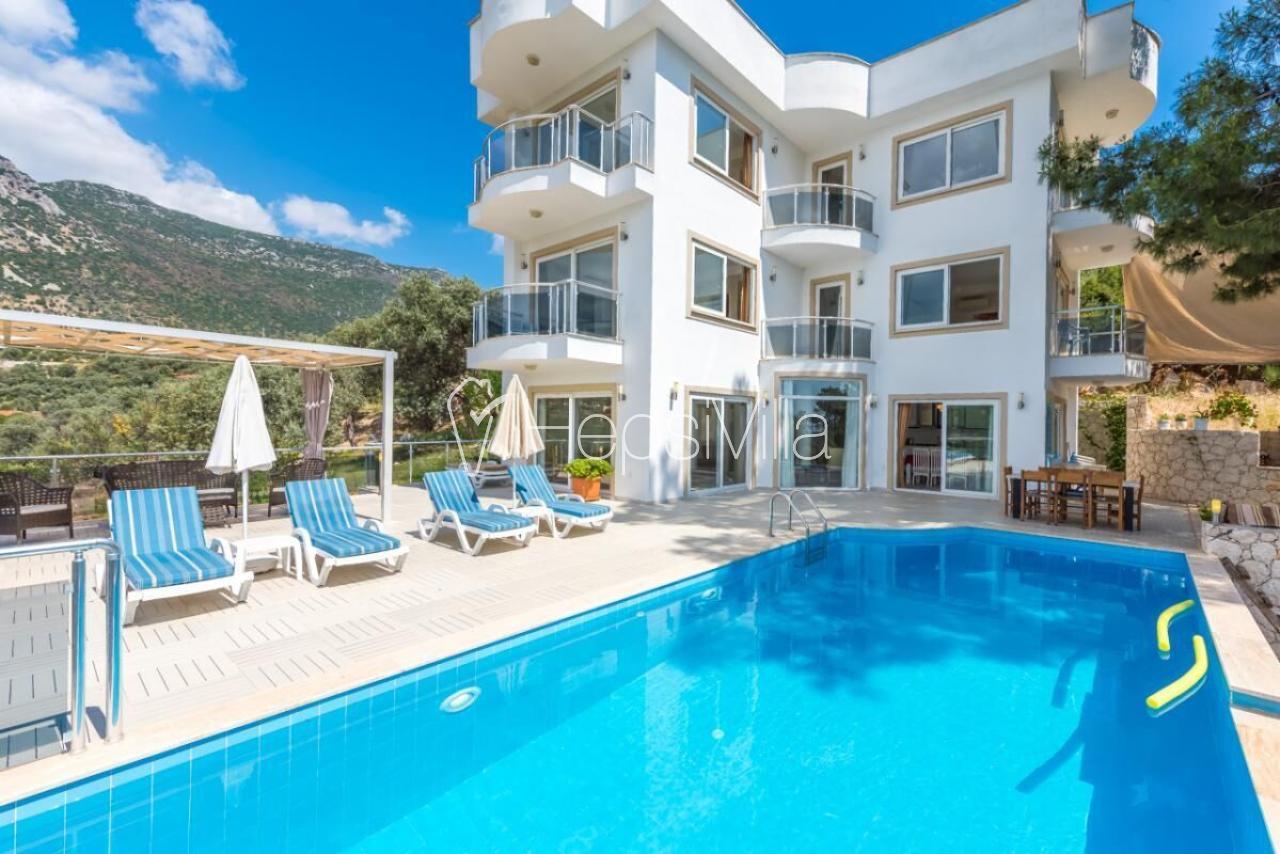 Kalkan'da tesettürlü ailelere uygun muhafazakar tatil villası. - Hepsi Villa