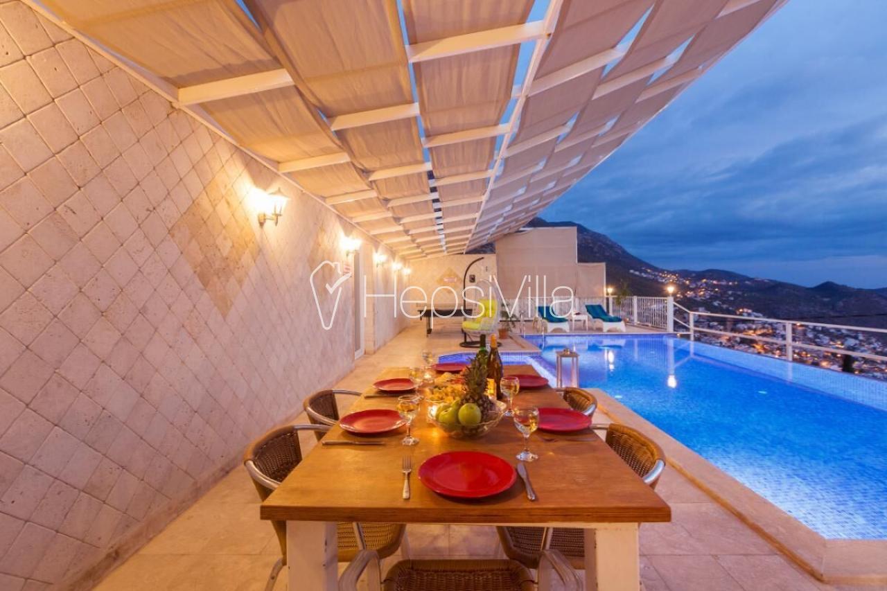 Kalkan'da harika deniz manzaralı 2 yatak odalı kiralık villa. - Hepsi Villa
