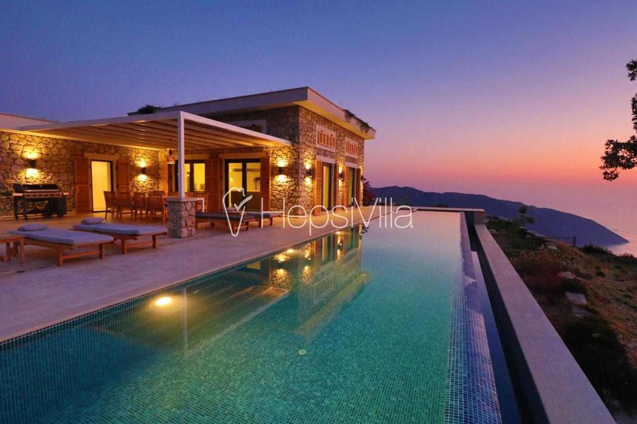 Villa Alınca, Deniz Manzaralı 8 Kişilik Ultra Lüks Villa - Hepsi Villa
