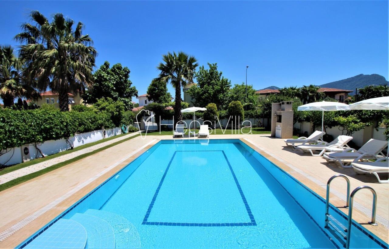 Dalyan Merkezde bulunan 4 yatak odalı kiralık havuzlu villa. - Hepsi Villa