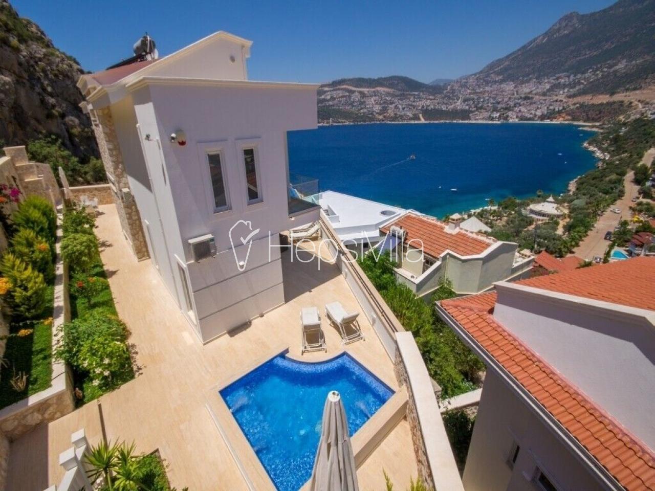 Kalkanda denize yakın konumda bulunan ultra lüks kiralık villa - Hepsi Villa