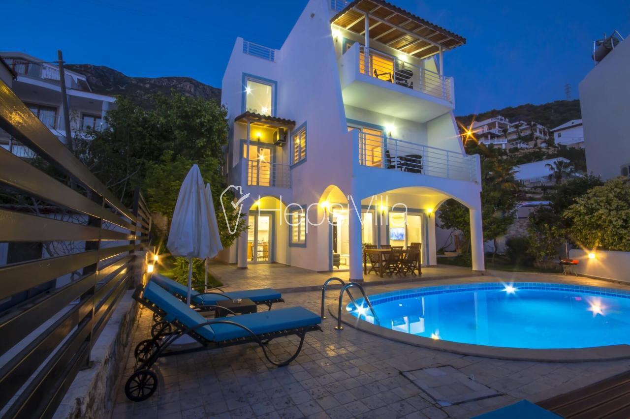 Villa Lotus Duo Kalkan Kızıltaş ta konumlu 6 kişilik villa - Hepsi Villa