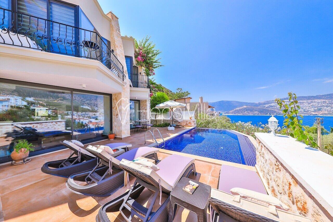 Villa Preveze 3 yatak odalı, deniz manzaralı özel havuzlu villa. - Hepsi Villa