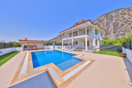 Villa Önlü