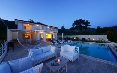 Villa �zay