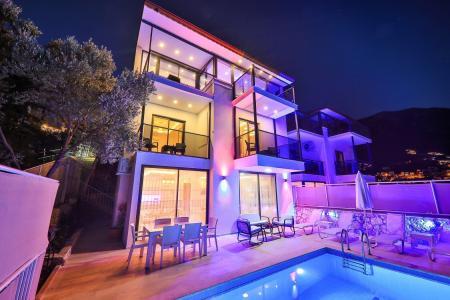 Villa Moon 2