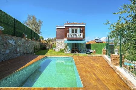 Villa Familia Üst